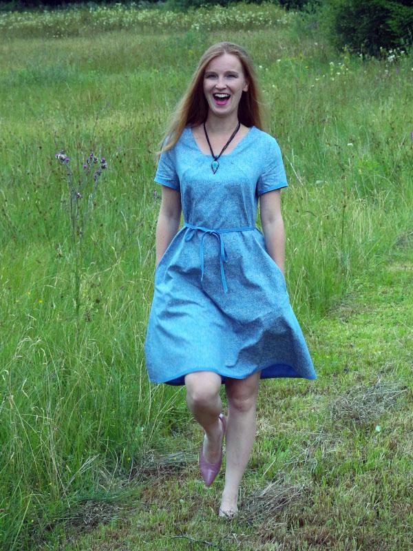 Angie blau Ivonne
