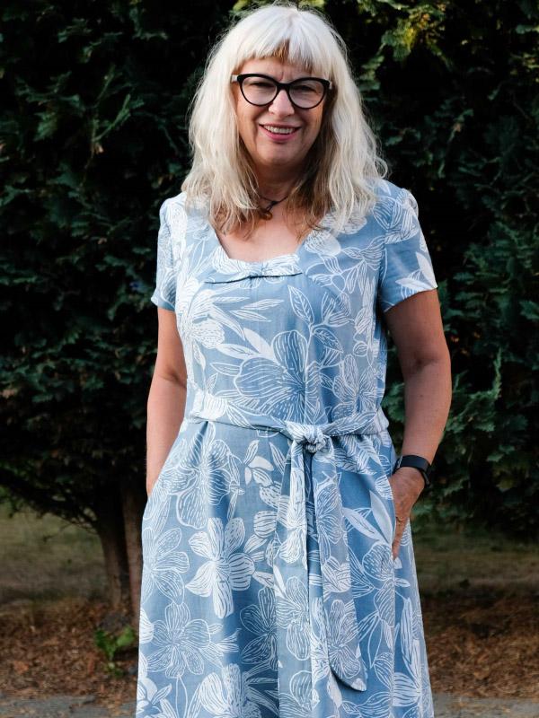 Angie blau blumig