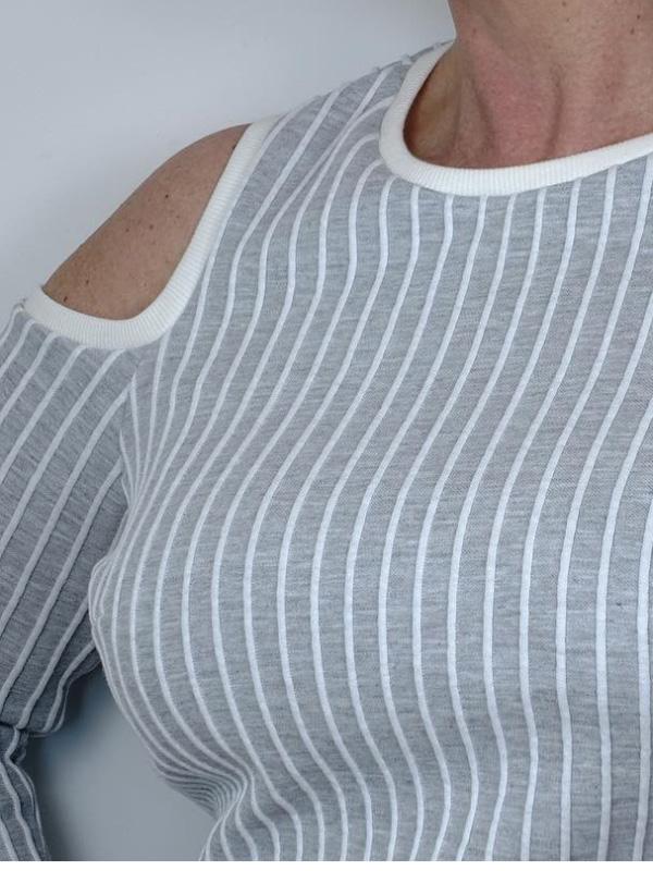 Shirt Hella Detail lange Aermel