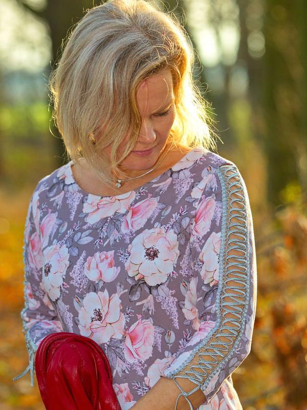 Kleid sarana Detail Schnuerung